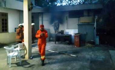 Jelang Buka Puasa, Gardu PLN di Komplek Marinir Terbakar
