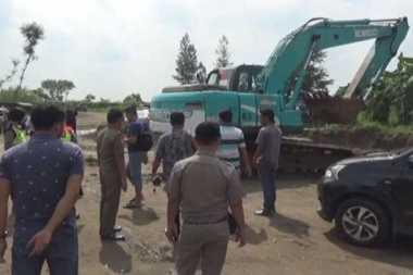 Polisi Gerebek Tambang Pasir Ilegal, 3 Pekerja Ditangkap