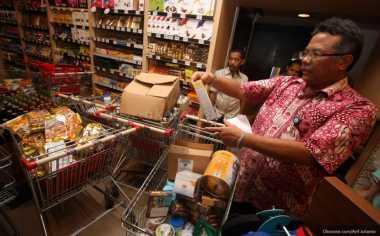 Nah! Polisi Cokok Pemilik Rumah Industri yang Jual Makanan Kedaluwarsa