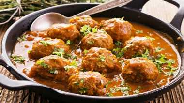 URBAN FOOD: Lebaran Makin Spesial dengan Bola Daging Isi Telur Puyuh