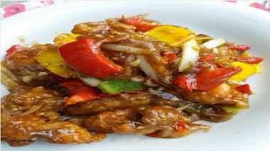 URBAN FOOD: Si Mbak Masih Mudik, Moms Masak Ayam Crispy untuk Lauk Anak