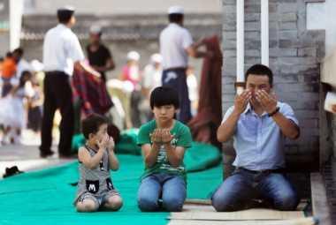 Beda Kebiasaan, WNI Muslim di China Kapok Salat di Masjid Lokal