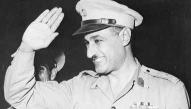 HISTORIPEDIA: Gamal Abdel Nasser Terpilih Menjadi Presiden Mesir