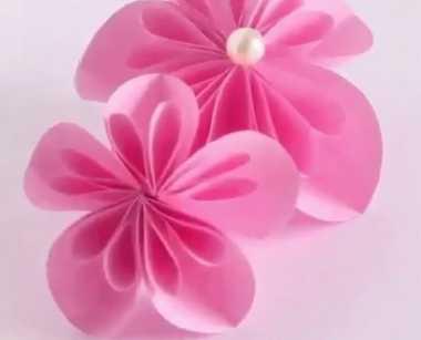Yuk Bikin Hiasan Bunga dari Kertas Warna