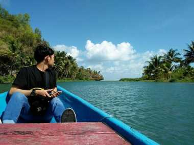 SHARE LOC: Sungai Maron, Tempat Terbaik Habiskan Libur Lebaran di Pacitan
