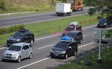 CATAT! Ini Tips Menyetir Mobil Aman di Siang Hari