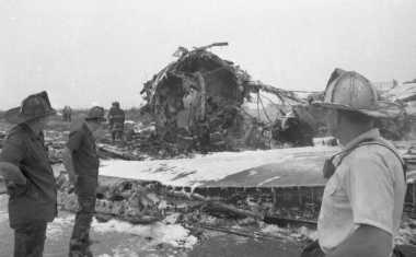HISTORIPEDIA: Pesawat Eastern Airlines Jatuh di Bandara JFK, Tewaskan 115 Orang
