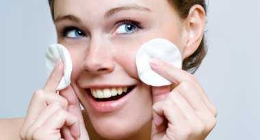 Hilangkan Minyak Berlebih di Hidung dengan Susu