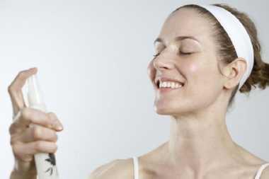 Trik Memilih Face Mist untuk Riasan Wajah Tahan Lama