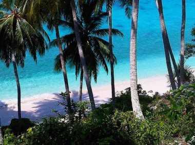 SHARE LOC: Indahnya Menikmati Pesona Pantai Sumur Tiga di Aceh