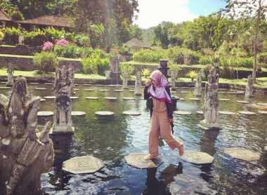 SHARE LOC: Yuk Nikmati Keindahan Kolam Suci di Tirta Gangga Bali