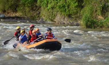 Arus Deras dan Bergelombang Cadas, Sungai Lematang Lahat Sering Adakan Lomba Arung Jeram