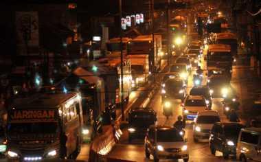 6 Tips Nyaman Berkendara saat Malam Hari
