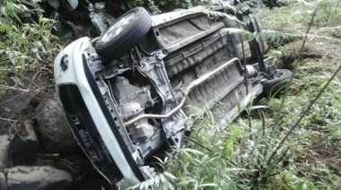 Sopir Mengantuk, Mobil Pikap dengan 5 Penumpang Tergelincir ke Jurang