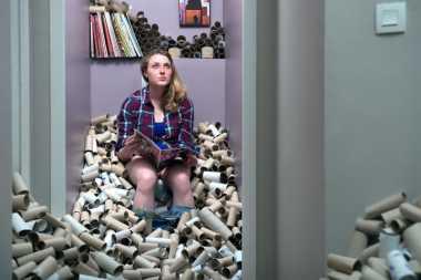 Timbun Sampah Selama 4 Tahun, Fotografer Ini Sulap Limbah jadi Karya Seni