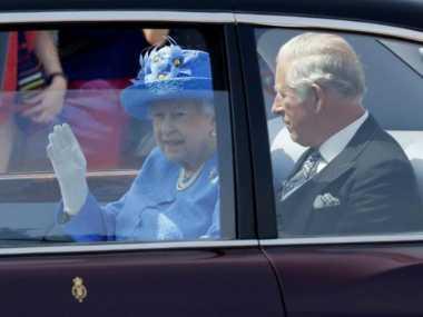 Warga Inggris Laporkan Ratu Elizabeth ke Polisi karena Tak Pakai Sabuk Pengaman