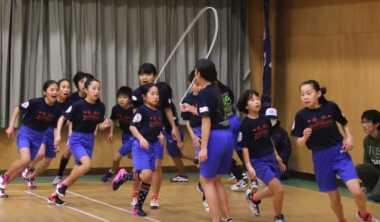 VIDEO: Luar Biasa! Siswa SD Jepang Pecahkan Rekor Dunia Lompat Tali