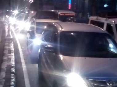 Macet Parah dari Kamis Malam, 57 Ribu Lebih Kendaraan Menumpuk di Arteri Bekasi