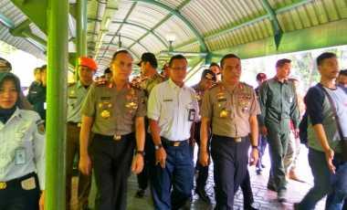 Wakapolri & Kapolda Metro Pantau Arus Mudik di Stasiun Gambir