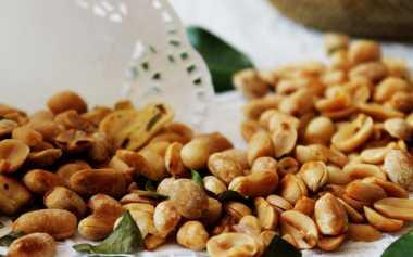 Camilan Kacang Asin Lebaran Sehat atau Tidak?