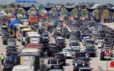 Urai Kemacetan, 18 Pintu Tol Exit Palimanan Dibuka