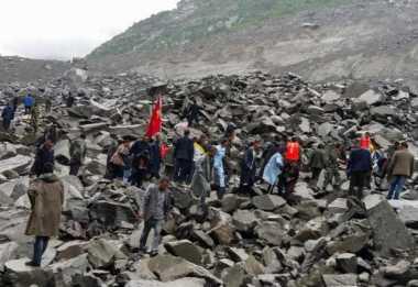 141 Orang Dilaporkan Hilang dalam Insiden Tanah Longsor di China