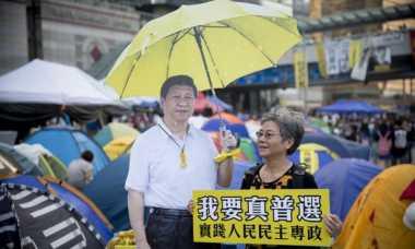 Jelang Kunjungan Presiden China, Kepolisian Hong Kong Sita Spanduk Bernada Politik