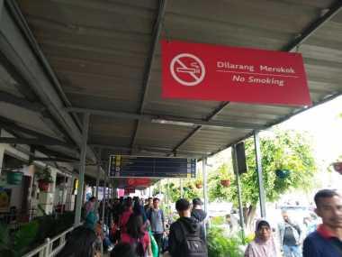 Hindari Penipuan Tiket Kereta Api, PT KAI: Cetak Boarding Pass Sendiri di Stasiun