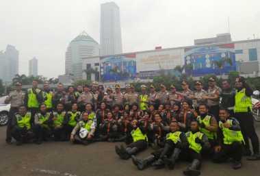 Suka-Duka Polwan Bermoge Jalankan Tugas Urai Kemacetan di Pantura