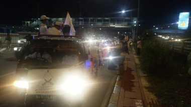 Polisi Persempit Jalur Konvoi Takbir Keliling FPI