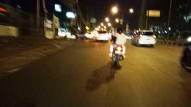 Malam Takbiran, Banyak Pengedara Motor Tak Gunakan Helm