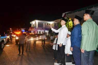 Bupati Lahat Aswari Rivai Lepas Pawai Takbir sebagai Media Dakwah