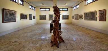 Obama Antusias Melihat Koleksi Lukisan di Agung Rai Museum of Art Bali