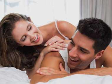 Saling Memijat Ternyata Bisa Membahagiakan Pasangan Anda