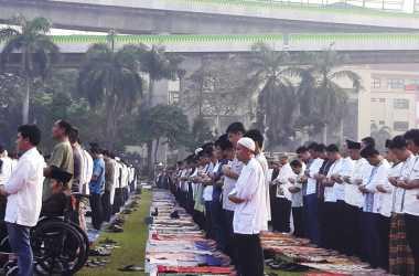 Kapolri Salat Id di Lapangan Bhayangkara Mabes Polri