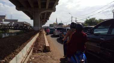 Perayaan Lebaran, Jalan Kalimalang Alami Kemacetan
