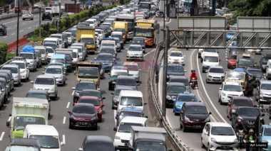 Lebaran Pertama, Sejumlah Jalan Tol Alami Kemacetan Parah
