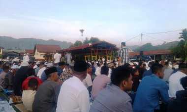 Idul Fitri 1438 Hijriyah, Khusyuknya Umat Islam di Papua Lakukan Salat Id