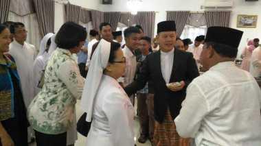 Kemeriahan Open House Aswari Rivai Bersama Biarawati Katolik di Lahat