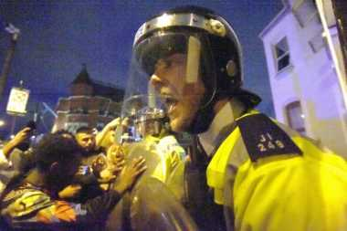 Protes Kematian Warga Kulit Hitam Berakhir Ricuh, Enam Polisi Terluka