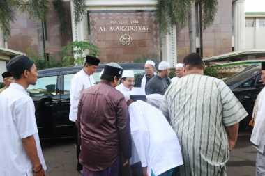 Usai Salat Id, Jamaah Masjid Al Marzuqiyah Gelar Halalbihalal