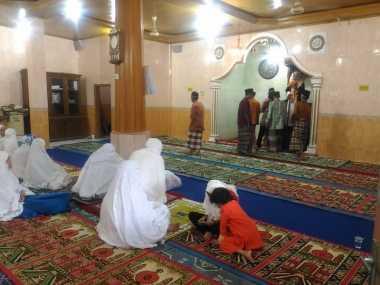 Puasa 29 Hari, Tarekat Syattariyah di Padang Baru Menggelar Salat Idul Fitri