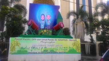 Gereja Katolik St Ignatius Manado Pajang Ornamen Idul Fitri di Depan Gereja