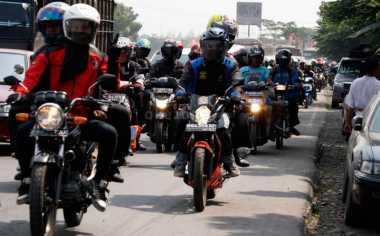 Pemudik Bermotor Dominasi Ruas Jalan Mojokerto-Surabaya