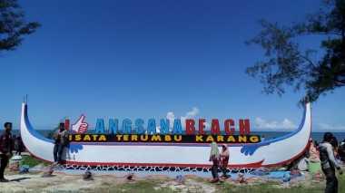 SHARE LOC: Pantai Angsana Kalimantan Selatan Jadi Buruan Wisatawan di Libur Lebaran