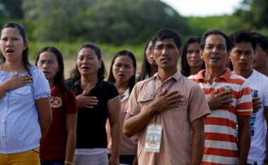 UU Baru Filipina, Nyanyikan dengan Semangat Lagu Kebangsaan atau Dipenjara