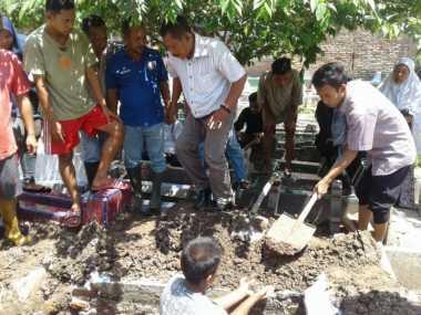 Sempat Ditolak Warga, Akhirnya Jenazah Terduga Teroris Dikubur Satu Liang dengan Keluarga