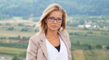 Aneh, Perempuan Spanyol Pura-Pura Buta agar Tak Perlu Menyapa Orang