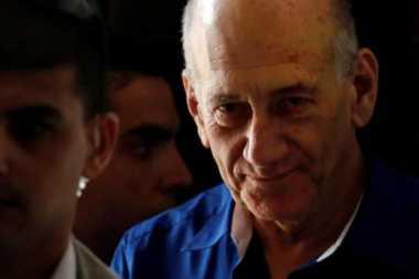 Berperilaku Baik, Mantan PM Israel Dapat Remisi