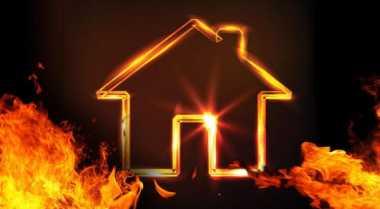 Kompor Gas Meledak, Dua Rumah di Kota Solok Ludes Terbakar